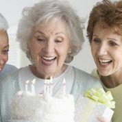 Birthday Cake and Women azkv_lw35VMHvbR9AstnB7CrXHrWTWYDPkPQ72oyNrE